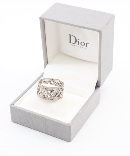 Bague signée Dior Collection My Dior authentique d'occasion en or blanc de 18ko sertie des diamants