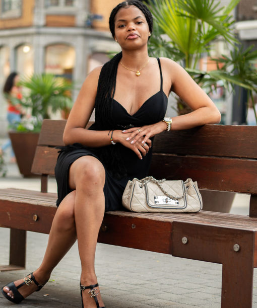 Sandales compensées Chanel en cuir noir