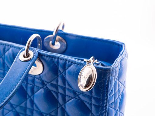 Sac Lady Dior Large en cuir cannage bleu royal