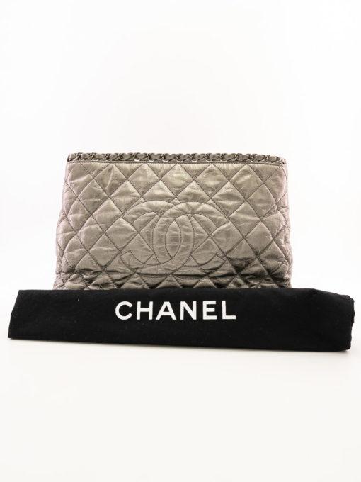 Sac Chanel Chain Around Grand Shopping en cuir vieilli gris métallisé