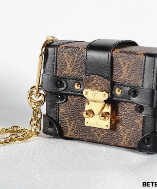 Louis Vuitton Collier Essential Trunk Pochette LV